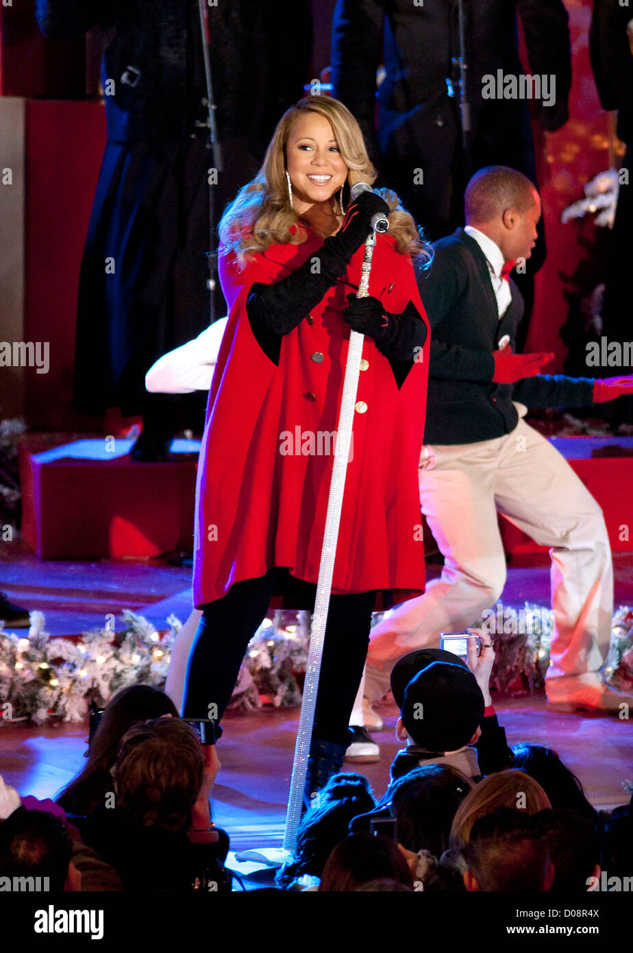 Mariah Carey Christmas Album.Mariah Carey Performs Songs From Her Holiday Album Merry