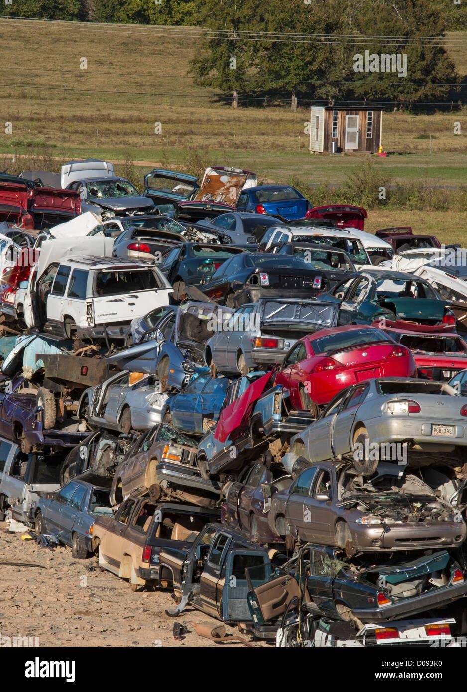 Alexandria, Louisiana - Junk cars at a scrap yard. - Stock Image