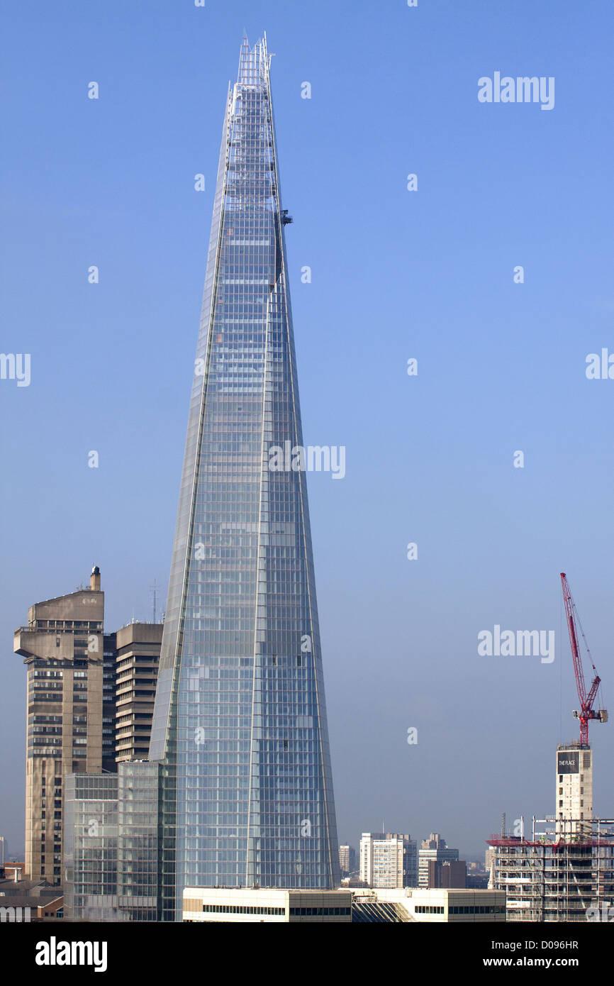 VIEW SHARD LONDON BRIDGE OR SHARD TOWER NEW BUILDING DESIGNED ITALIAN ARCHITECT RENZO PIANO AUTHOR CENTRE POMPIDOU - Stock Image