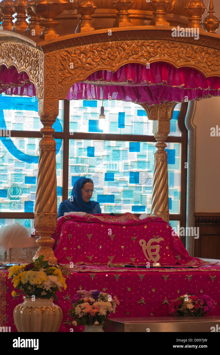 Guru Granth Sahib Woman Stock Photos Guru Granth Sahib Woman Stock