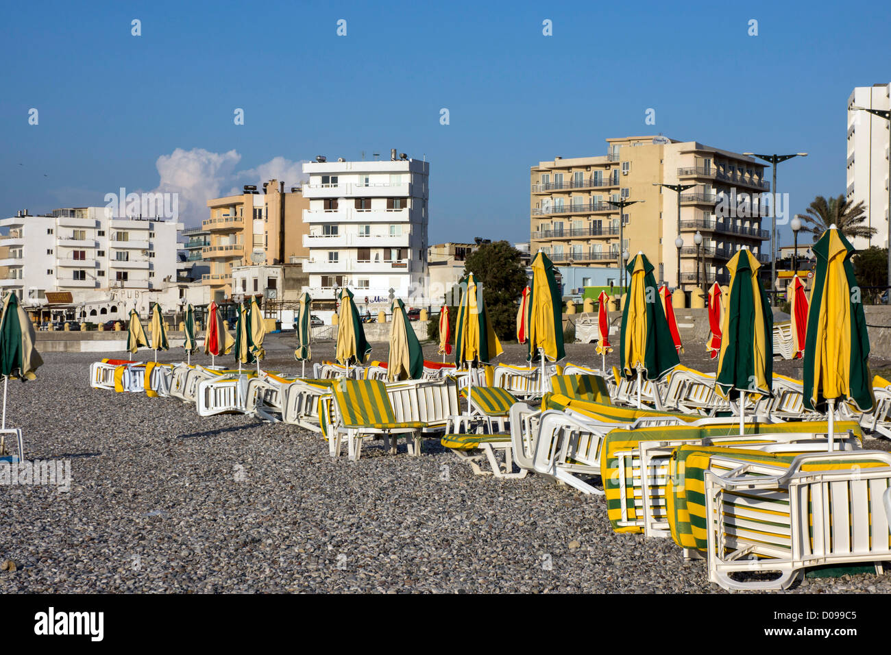 Beach and hotels Rhodes, Rhodos, Greece - Stock Image