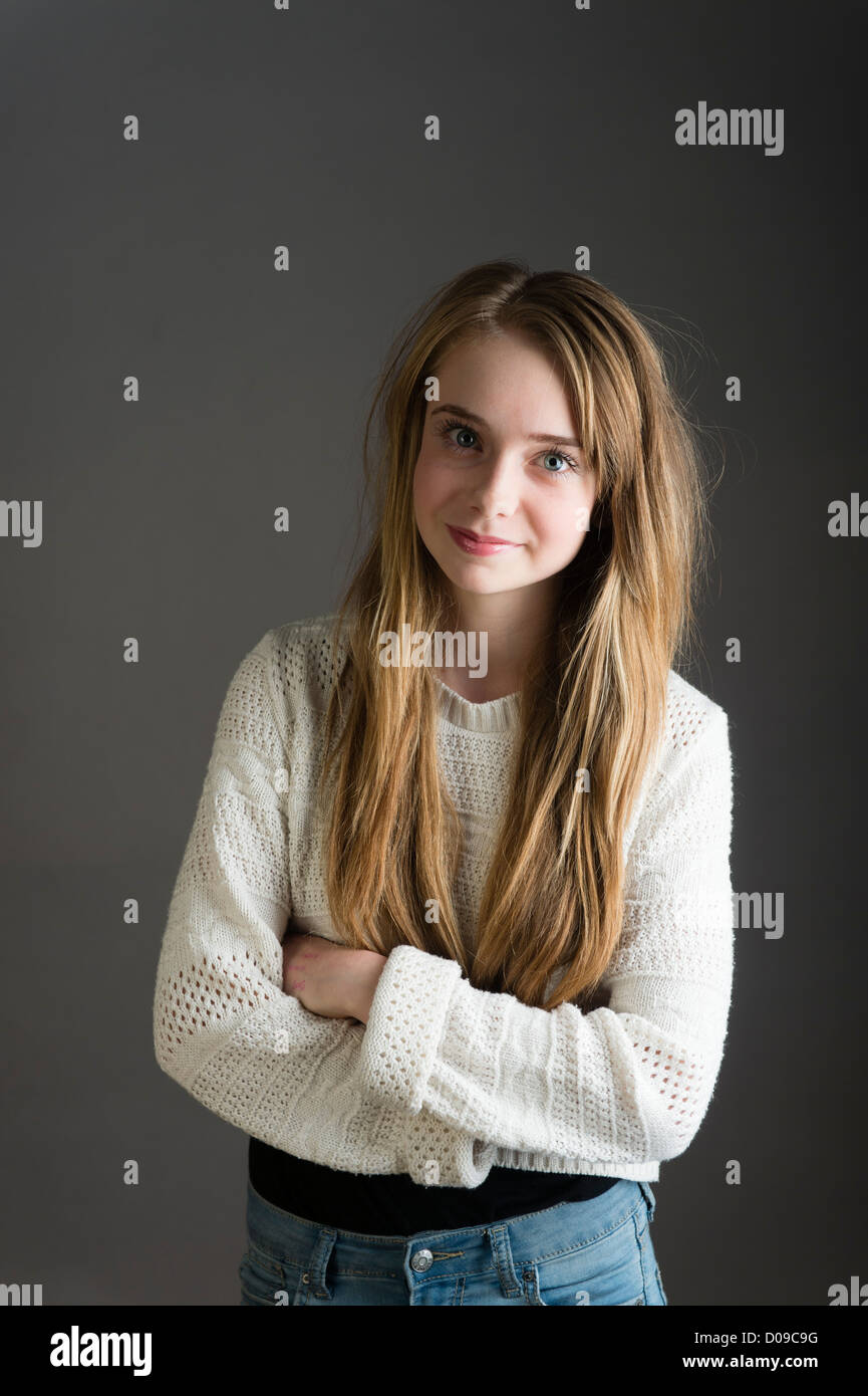 15 Year Old Teen Cute Girl Pictures: 15 Year Old Longh Haired Teenage Girl, Single