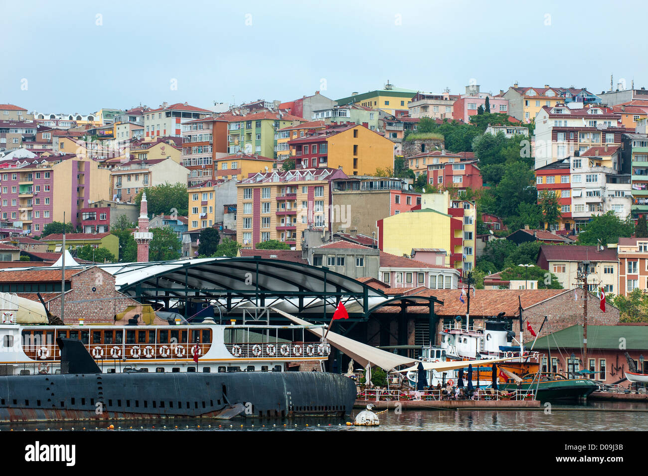 Houses along the Golden Horn, Istanbul, Turkey - Stock Image