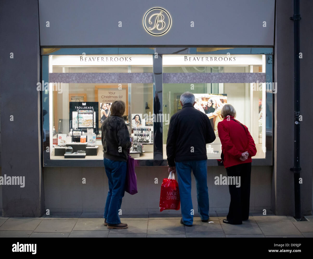 2557f53d513 Beaverbrooks Jewellers Window Display Whitefriars Shopping Centre  Canterbury England - Stock Image