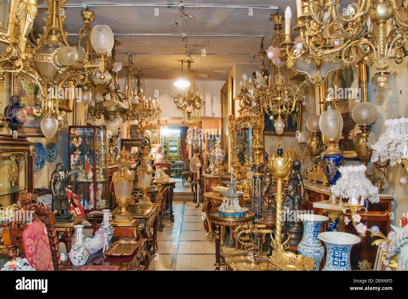 Antique shop Beyoğlu Istanbul Turkey - Stock Image