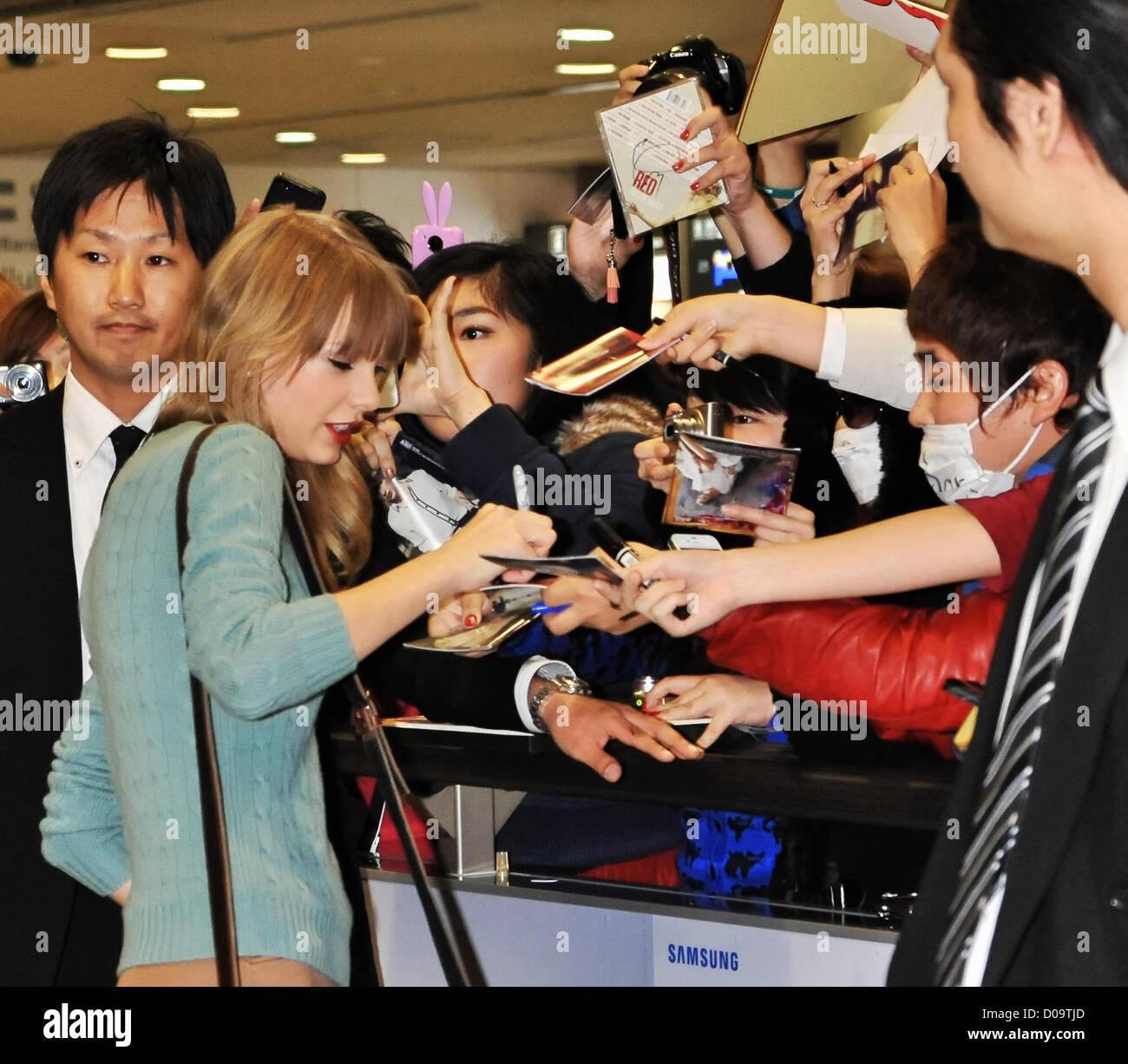 Tokyo Japan 21st November 2012 Taylor Swift Nov 21 2012 Tokyo Stock Photo Alamy