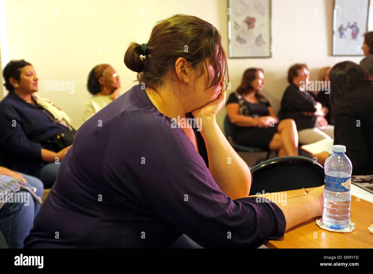 OBESE YOUNG WOMAN AT THE HYDROTHERAPY CENTER OF THE THERMAL SPA (73) SAVOY FRANCE - Stock Image