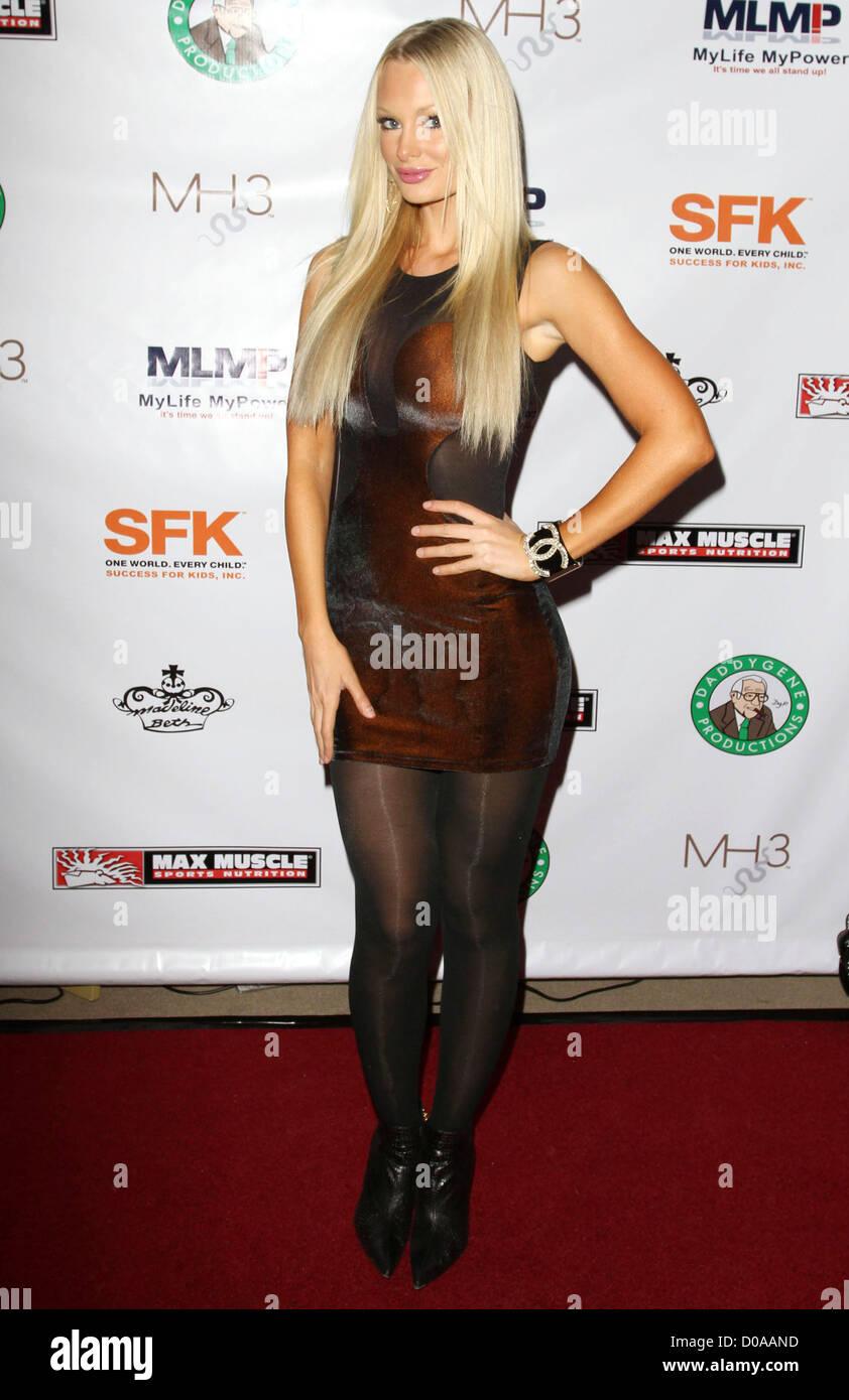 Pantyhose sophie turner Celebrities in