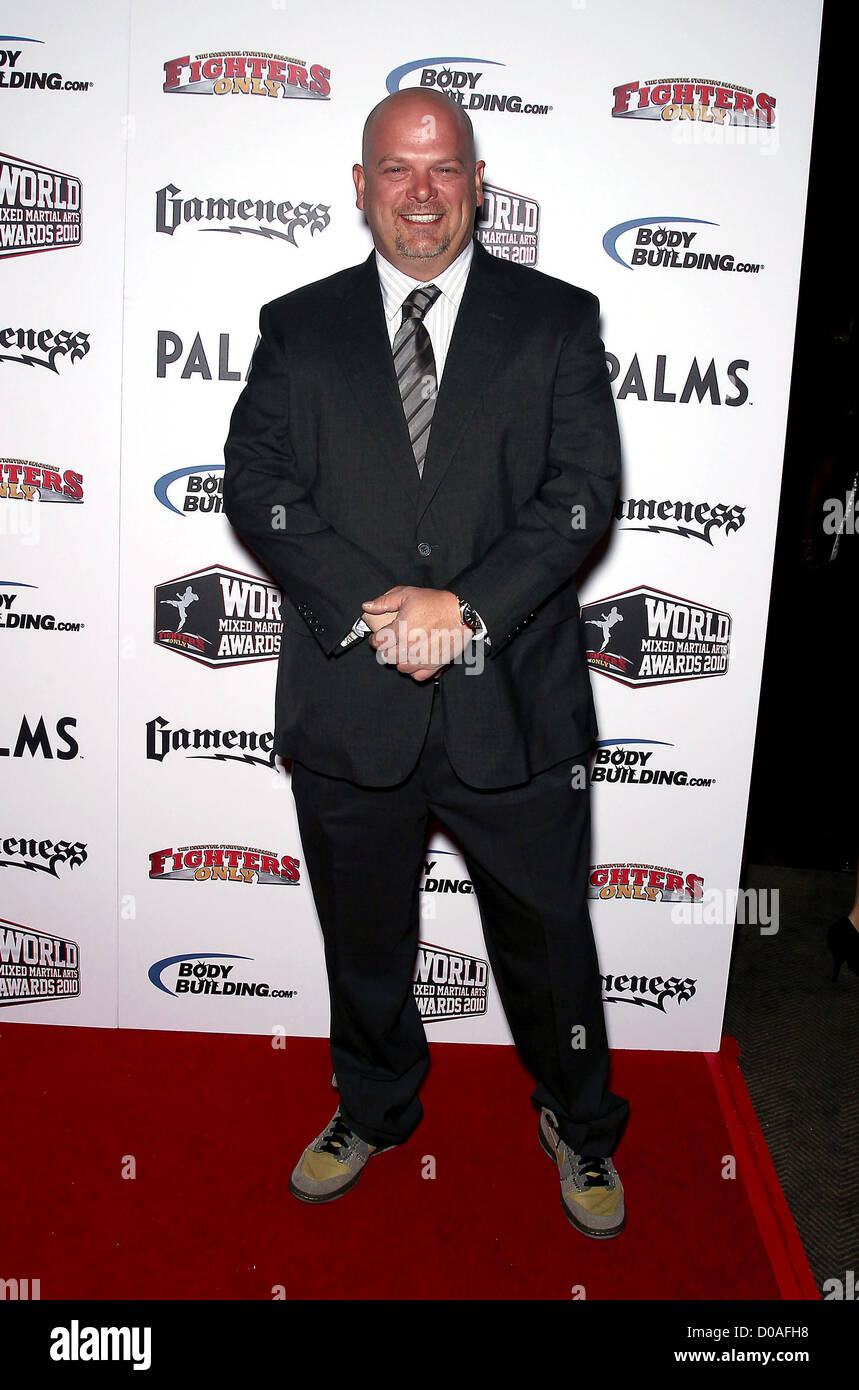 ¿Cuánto mide Rick Harrison? Real height Rick-harrison-3rd-annual-fighters-only-mixed-martial-arts-awards-held-D0AFH8