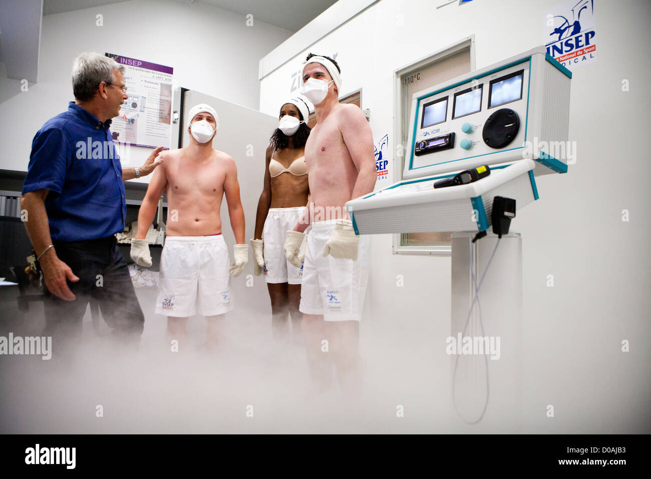 WHOLE BODY CRYOTHERAPY Stock Photo: 51865047 - Alamy