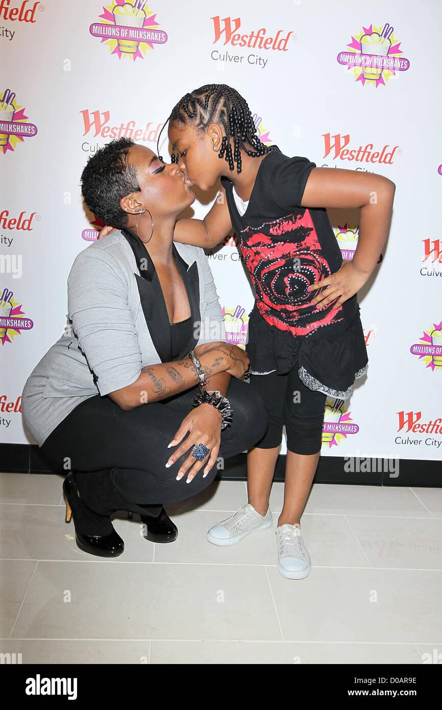 American Idol sensation, Fantasia Barrino and her daughter