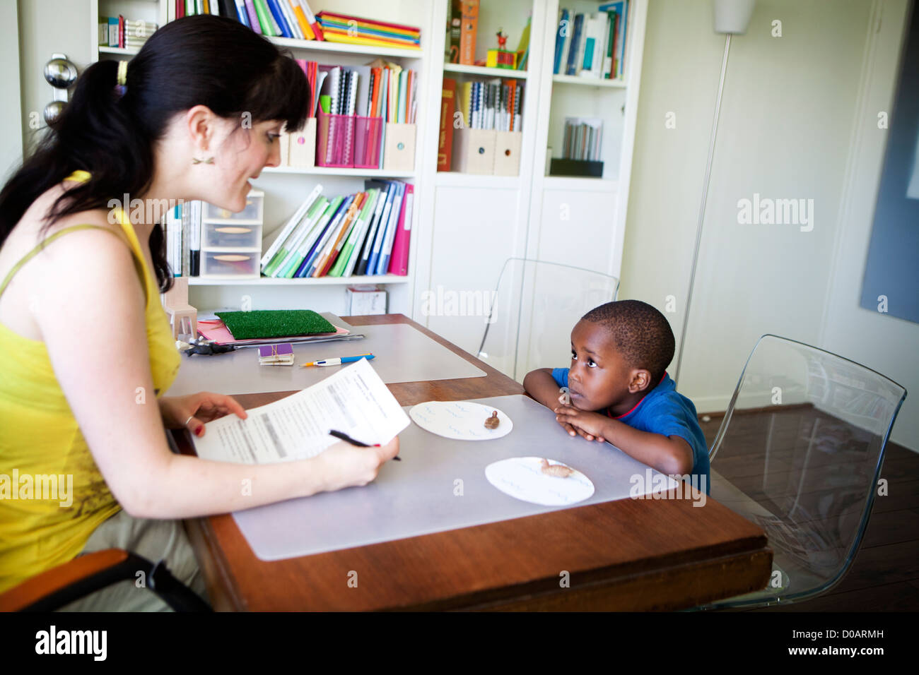CHILD IN SPEECH THERAPY - Stock Image