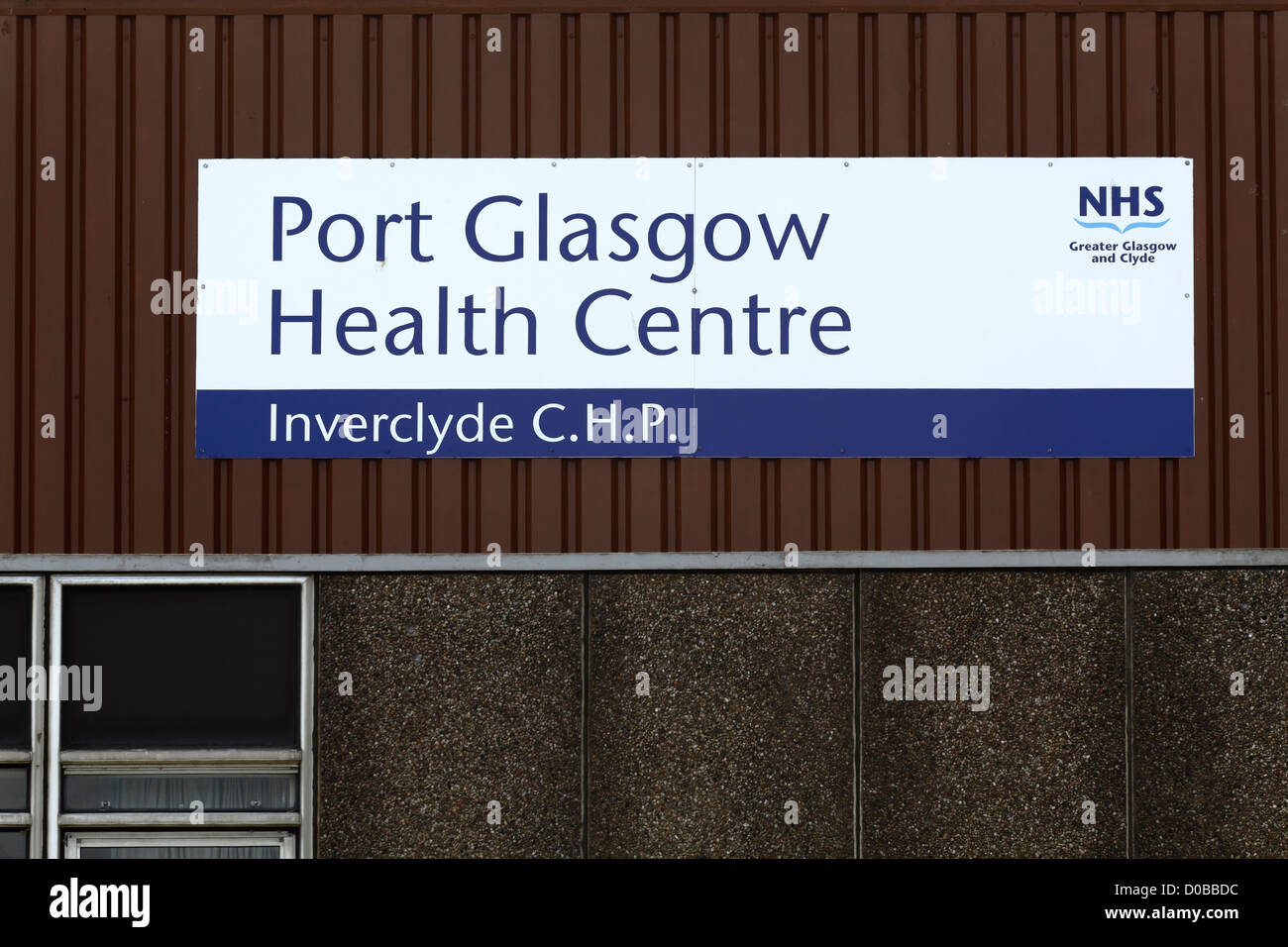 An NHS sign on Port Glasgow Health Centre (Inverclyde Community Health Partnership) Scotland, UK - Stock Image