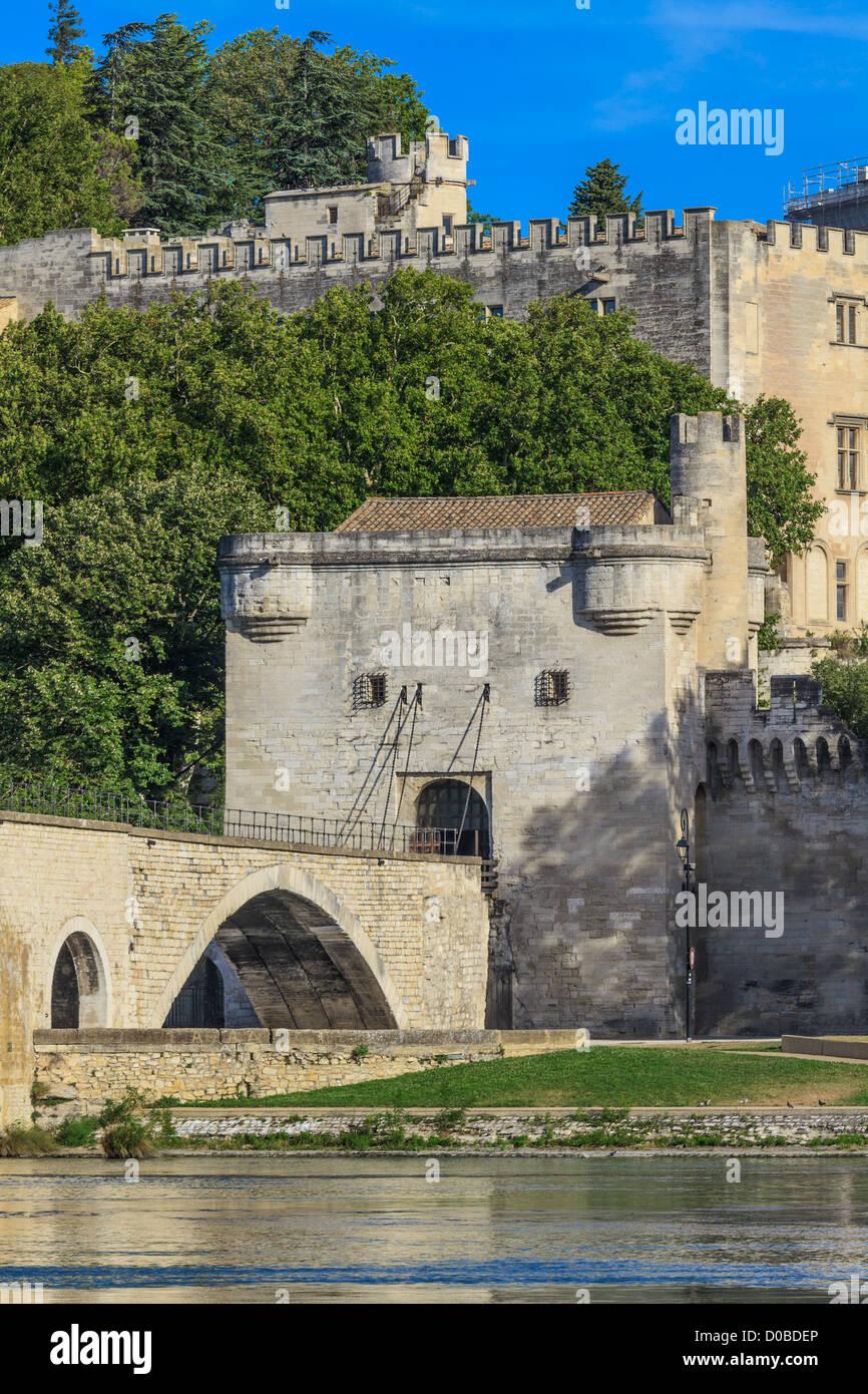 Avignon Bridge with Popes Palace, Pont Saint-Bénezet, Provence, France Stock Photo