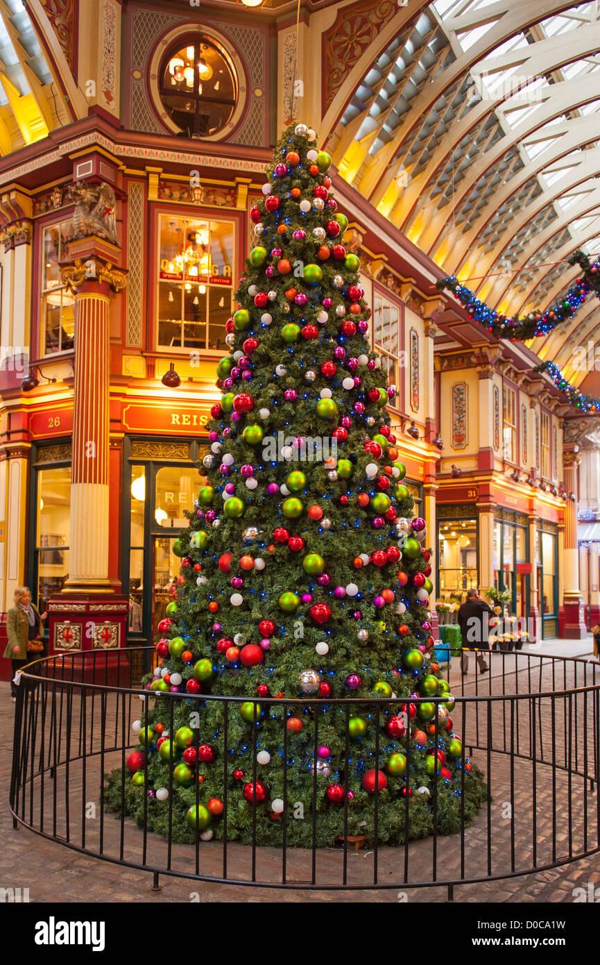London City Leadenhall Market Giant Xmas Christmas Tree Decorated Stock Photo Alamy
