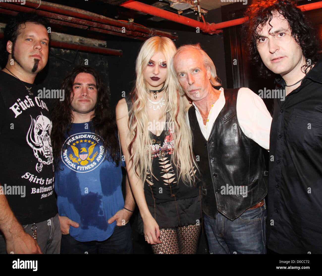 Taylor momsen and band the pretty reckless meet don hill paper stock taylor momsen and band the pretty reckless meet don hill paper magazine and express celebrate their spring collection don m4hsunfo