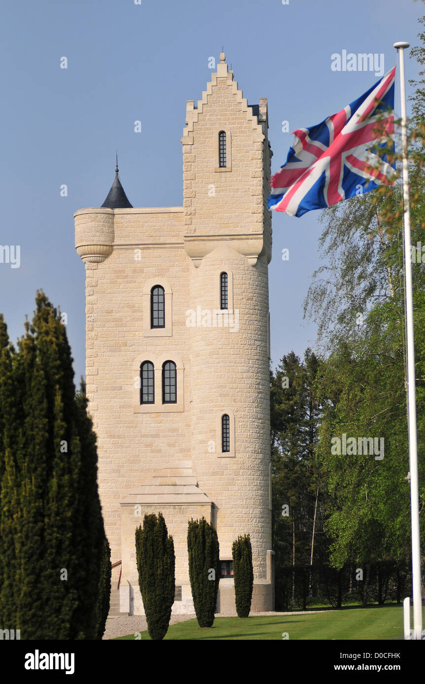 THE ULSTER TOWER IRISH MEMORIAL IN GOTHIC TROUBADOUR STYLE BUILT IN 1921 FOR BATTLE SOMME IN HOMAGE ALL SOLDIERS - Stock Image
