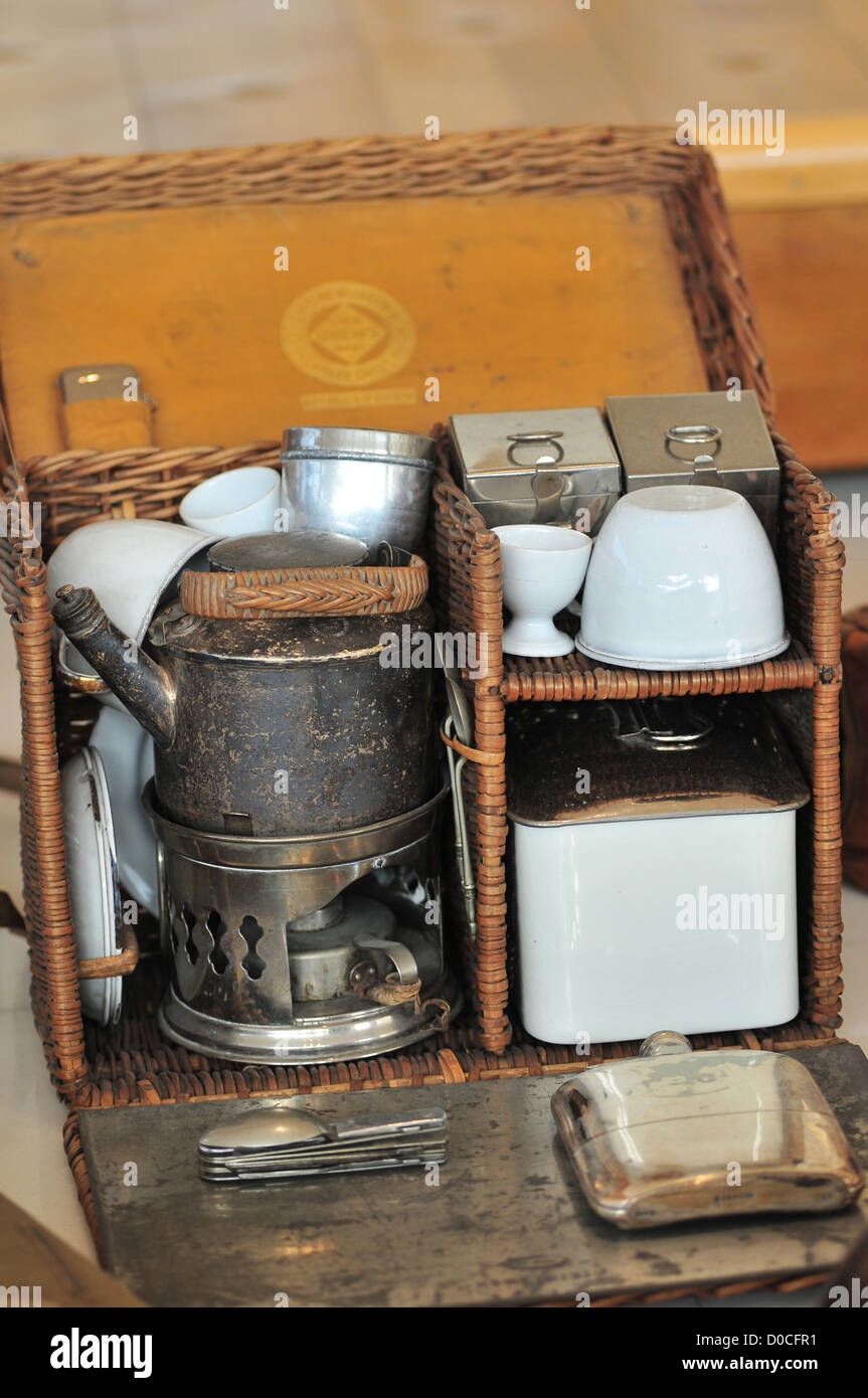 A SOLDIER'S MESS KIT HISTORIAL GREAT WAR RENOWNED MUSEUM FIRST WORLD WAR ADJOINING MEDIEVAL CHATEAU PERONNE - Stock Image