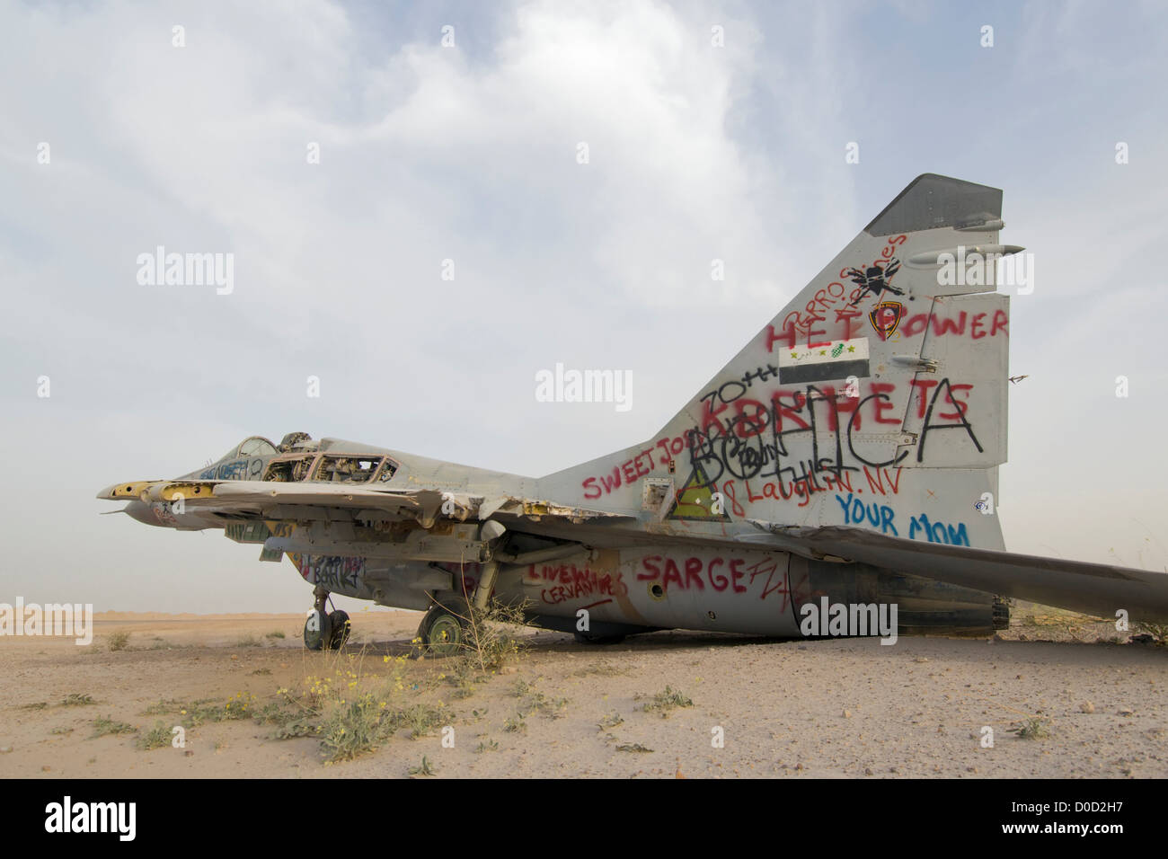Destroyed Sukhoi SU-27 Flanker at Al Taqaddum Air Base in Iraq's Al Anbar Province - Stock Image