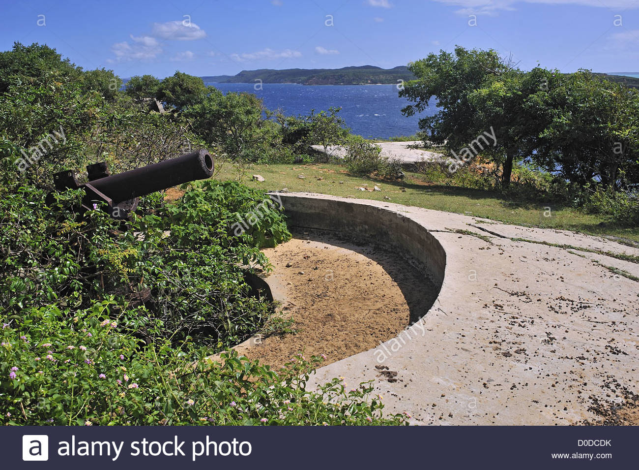 OLD FRENCH CANNON FROM CRUISER JULES FERRY SENT DIEGO SUAREZ EQUIP BATTERY ON VIEWPOINT DIEGO SUAREZ REPUBLIC MADAGASCAR - Stock Image