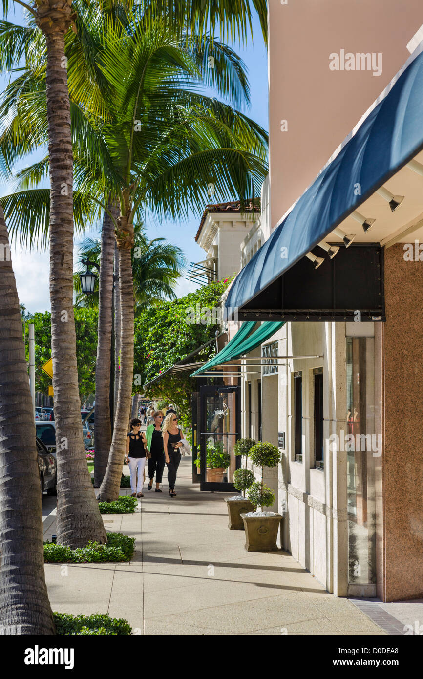 Stores on Worth Avenue in downtown Palm Beach, Treasure Coast, Florida, USA - Stock Image