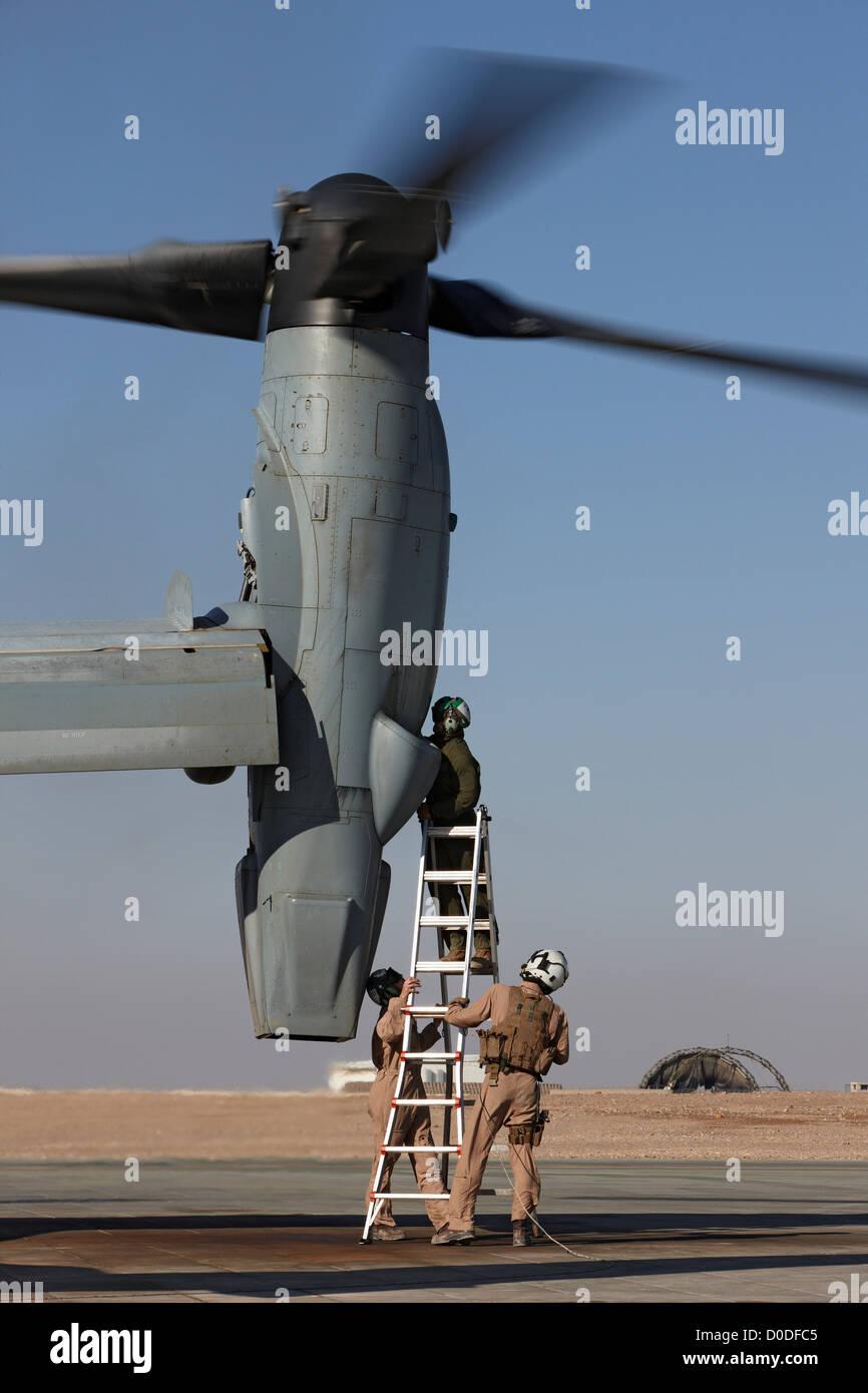 U S  Marine Corps Aircraft Maintainers Work On Engine Mv