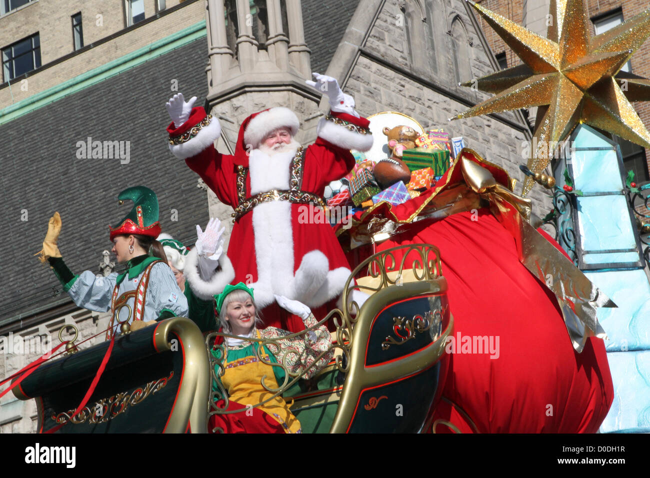 Santa Claus in Macy\u0027s Thanksgiving Day Parade in New York
