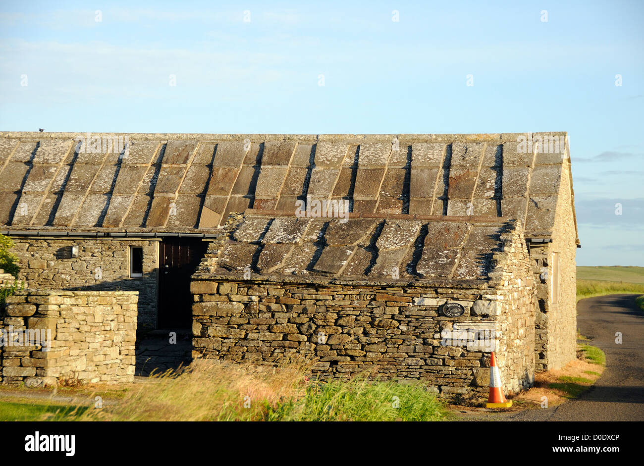 Stone Barn With Stone Roofing Slabs Brodgar Mainland Orkney Stock Photo Alamy