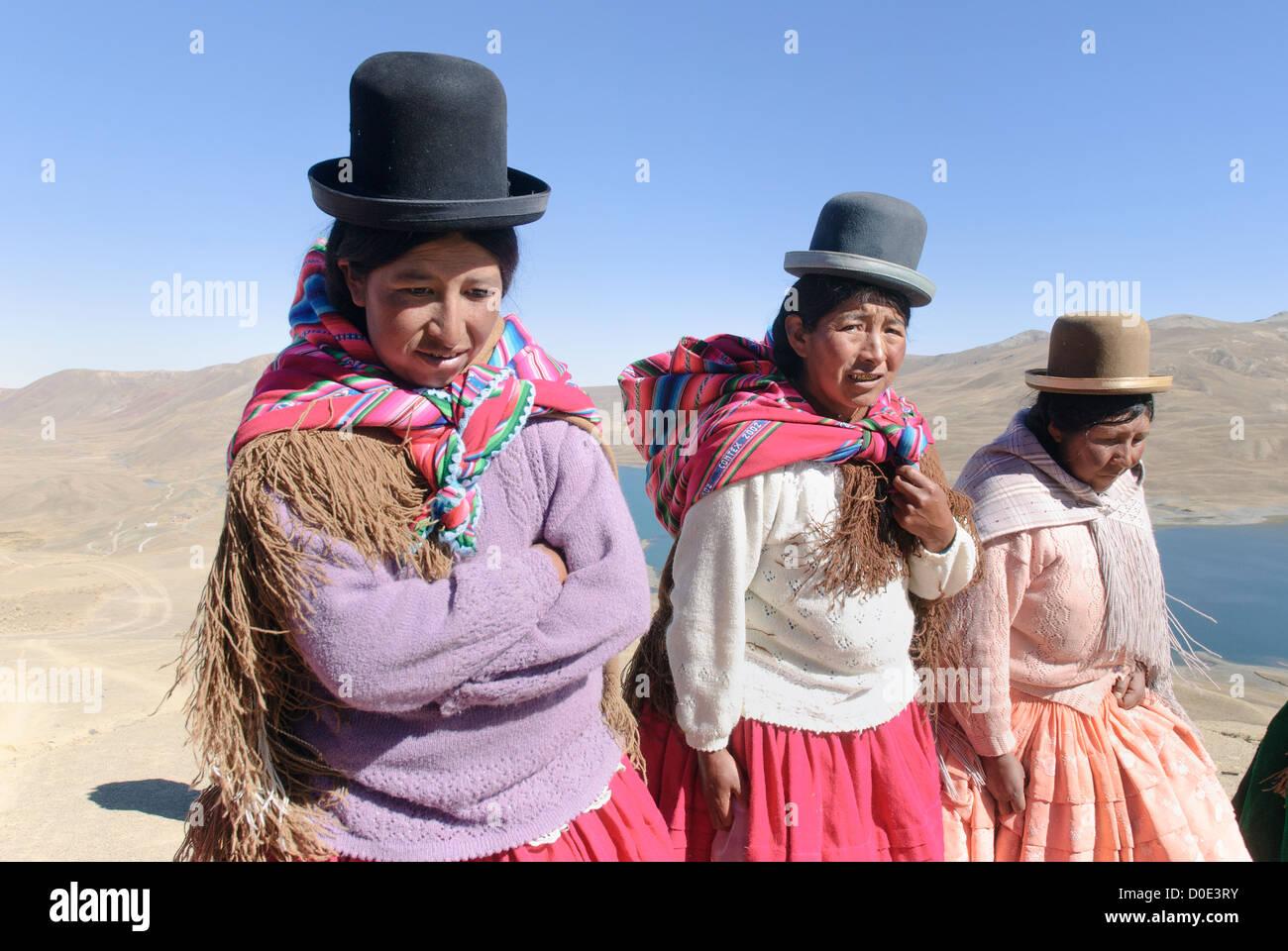 Aymara women in the cordillera real. - Stock Image