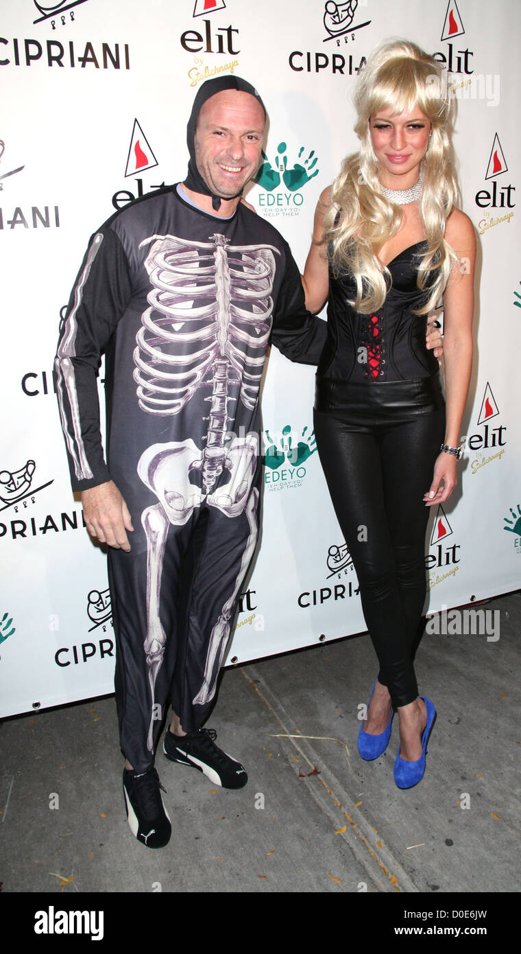 giuseppe cipriani and estella lima cipriani downtown halloween 2010 held at cipriani soho new york city