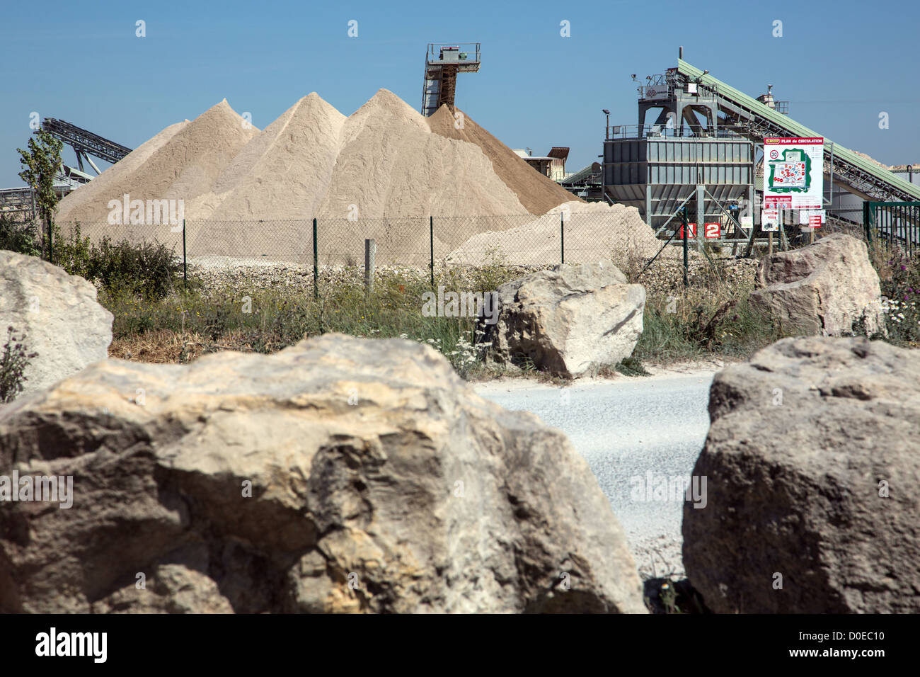 SAND AND ROCK QUARRY OF PRASVILLE BUILDING MATERIAL COMPANY OF BEAUCE EURE-ET-LOIR (28) FRANCE - Stock Image