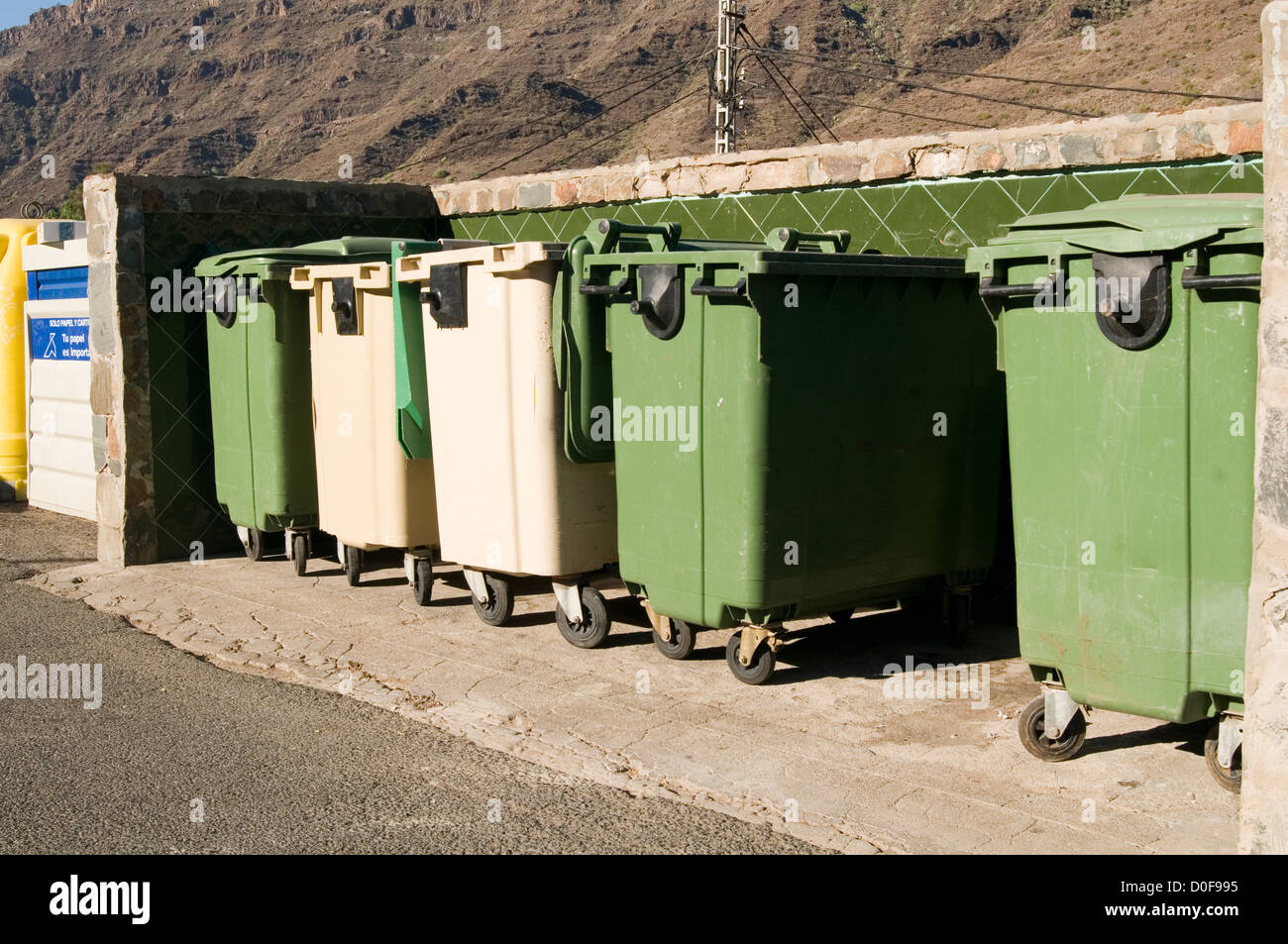 commercial waste bin bins collection collections industrial wheelie rubbish trash - Stock Image