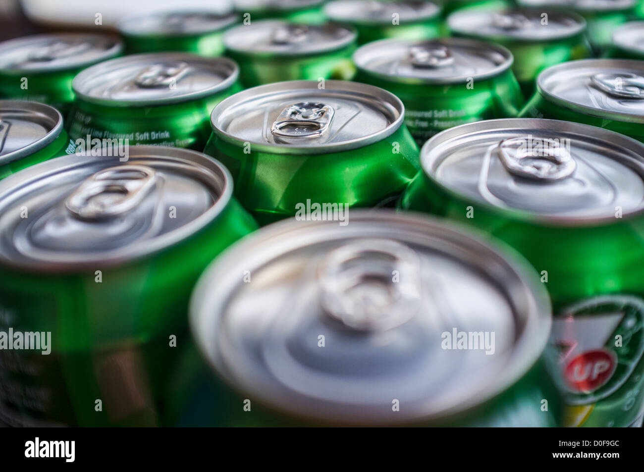 Cans of 7up Drink, Showing Stay-on-Tab's. - Stock Image
