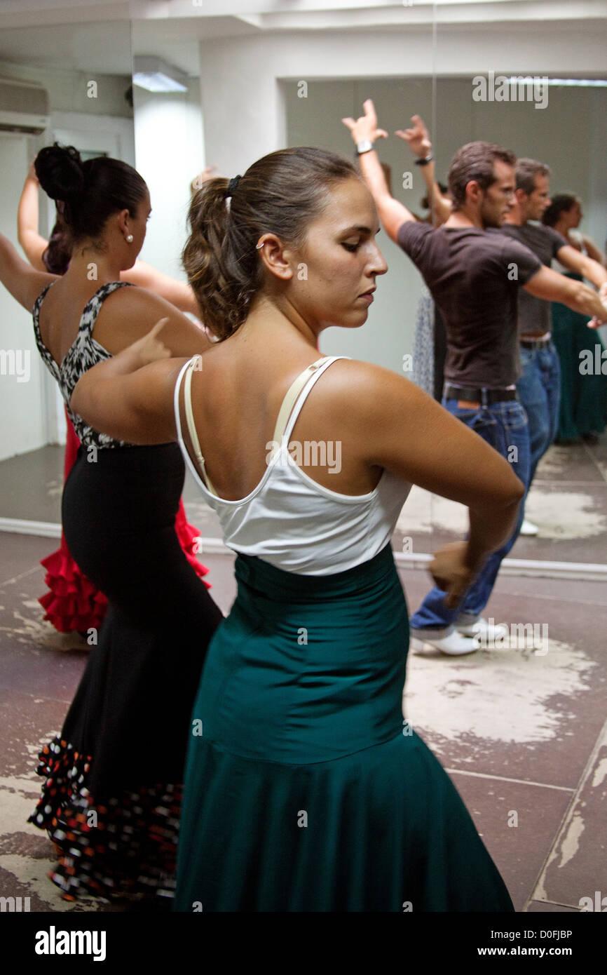 Flamenco Dance Classes Clases de baile flamenco - Stock Image