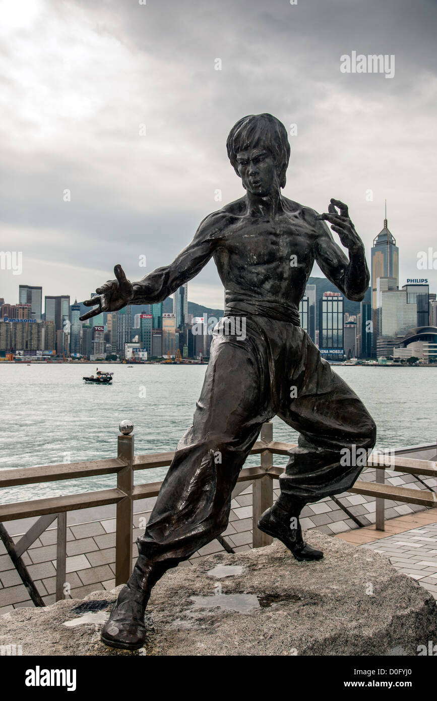 The Bruce Lee statue along Avenue of Stars, Kowloon, Hong Kong, China - Stock Image