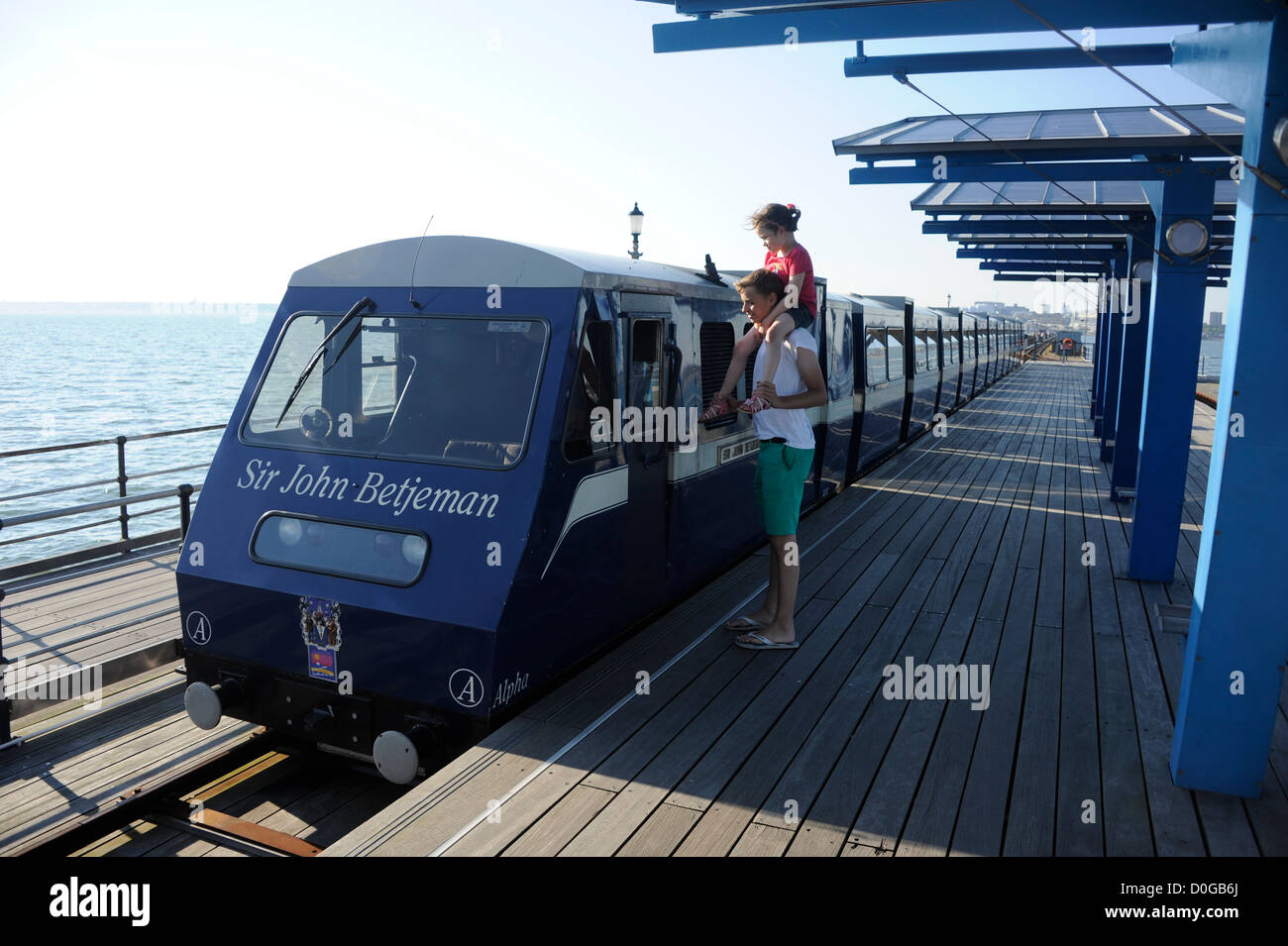 Sir John Betjeman train on the pier at Southend on Sea, Essex. At 1.34 miles long it is the longest pleasure pier - Stock Image