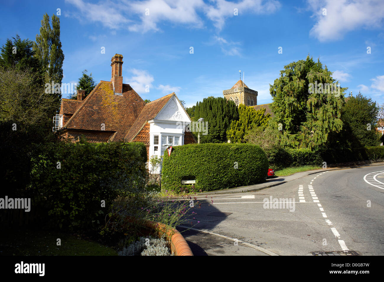 Country cottage Chiddingfold village Surrey England UK GB rural countryside country town England English Great Britain - Stock Image