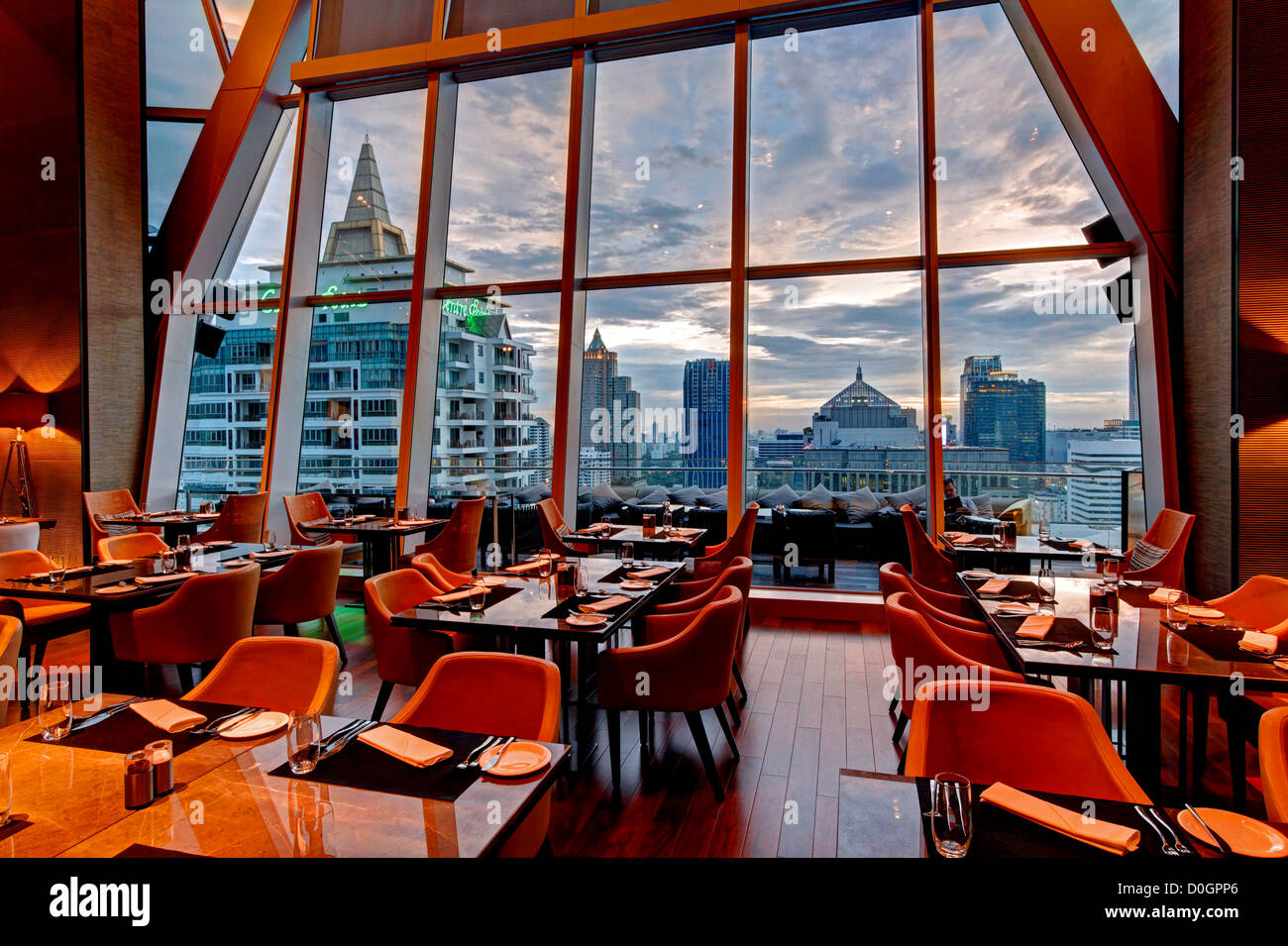 Park Ventures Ecoplex & Okura Prestige Hotel, Wireless Road, Bangkok - Stock Image