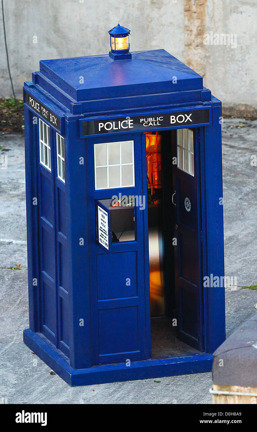 The Tardis 'Doctor Who' filming on location in the south west of the country. England - 21.09.10 - Stock Image