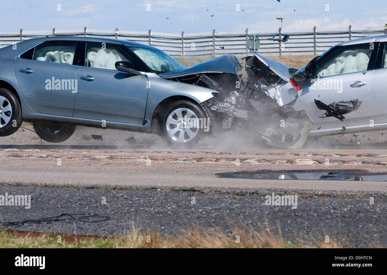 head on collision, crash test, serious accident - Stock Image