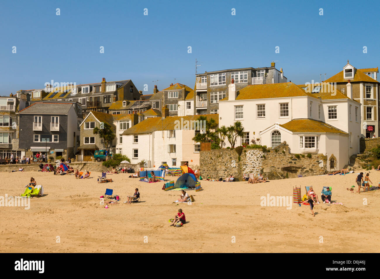 Holidaymakers on the beach at St Ives, Cornwall, England - Stock Image