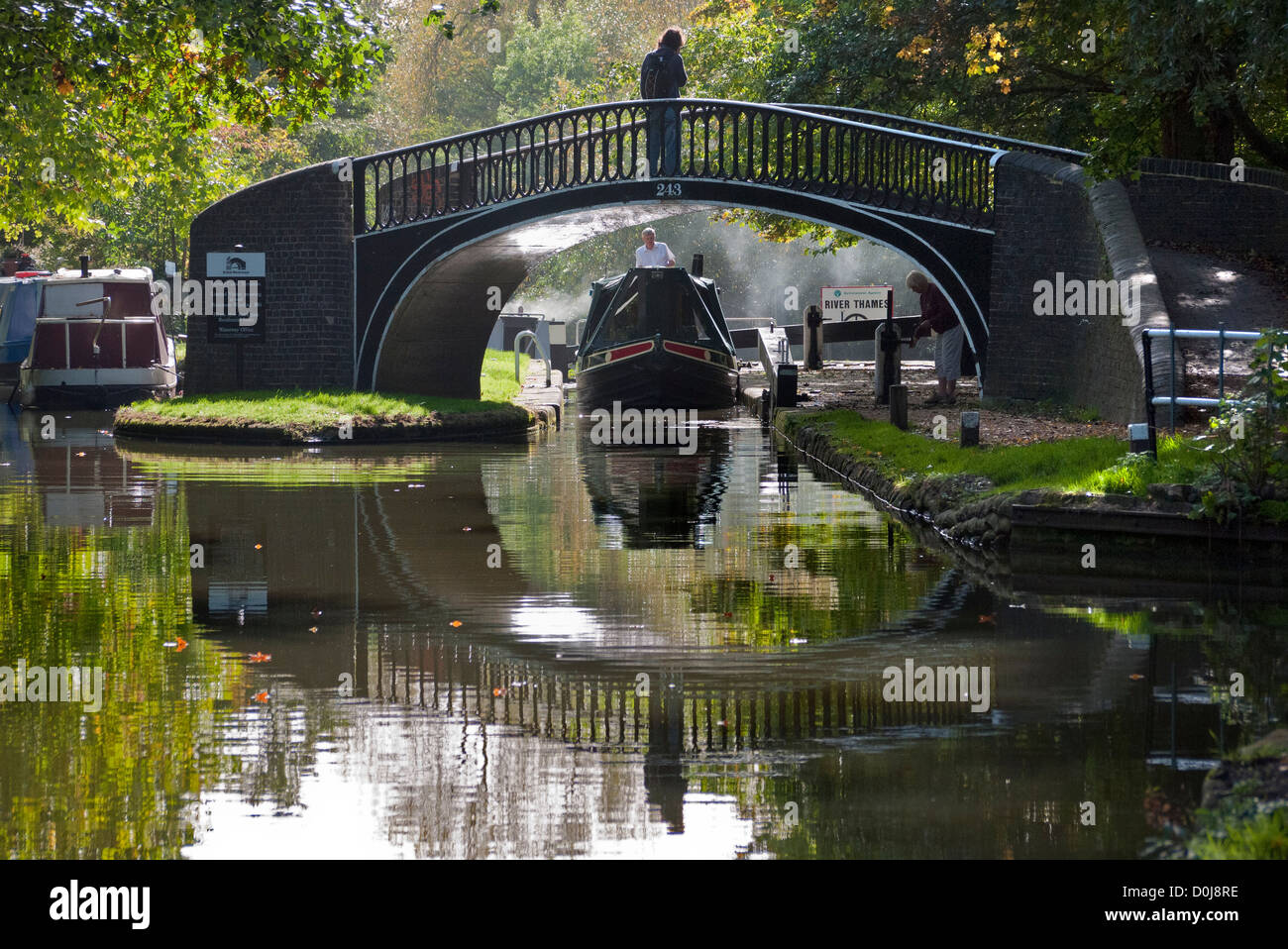 Houseboats on the Oxford Canal in autumn. - Stock Image