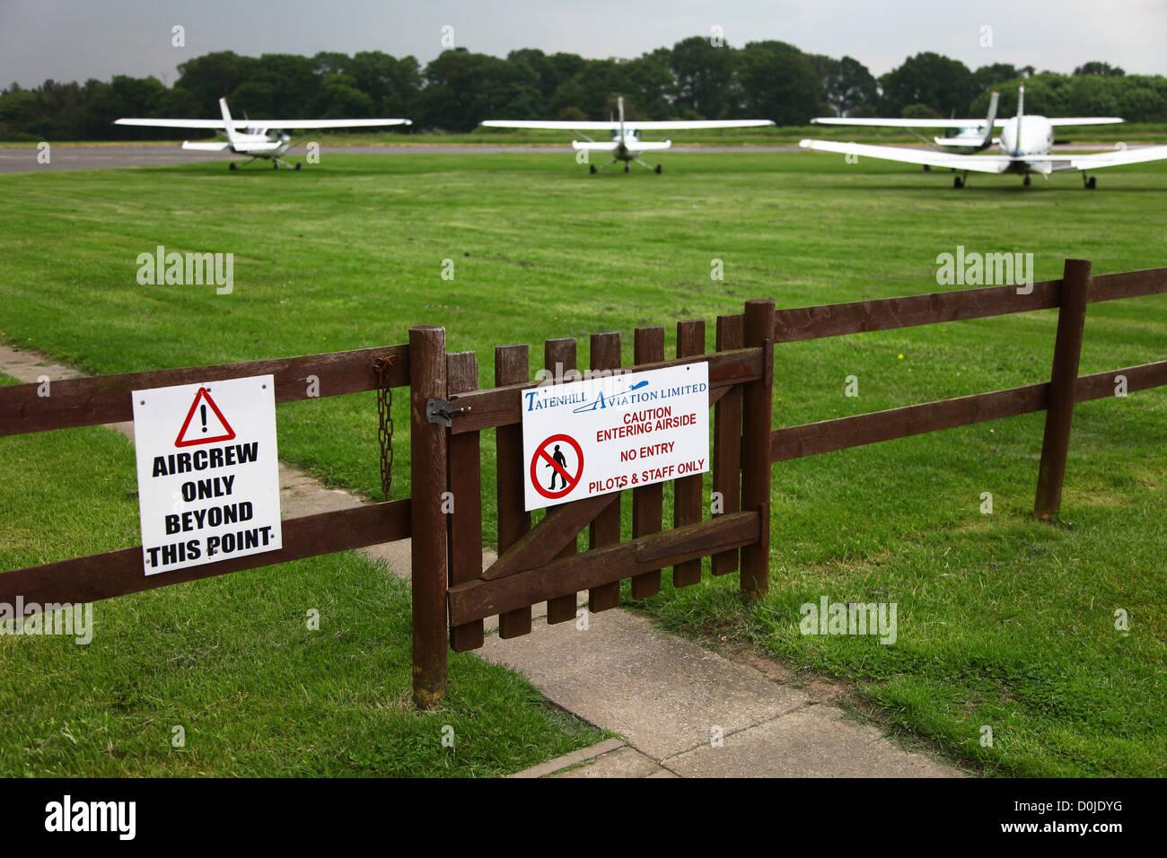 Small planes at Tatenhill airfield aerodrome near to Burton upon Trent Staffordshire Staffs England UK - Stock Image
