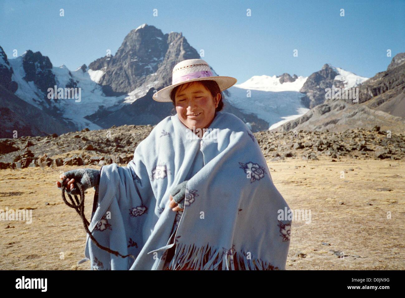 Aymara woman in the Cordillera Real - Stock Image