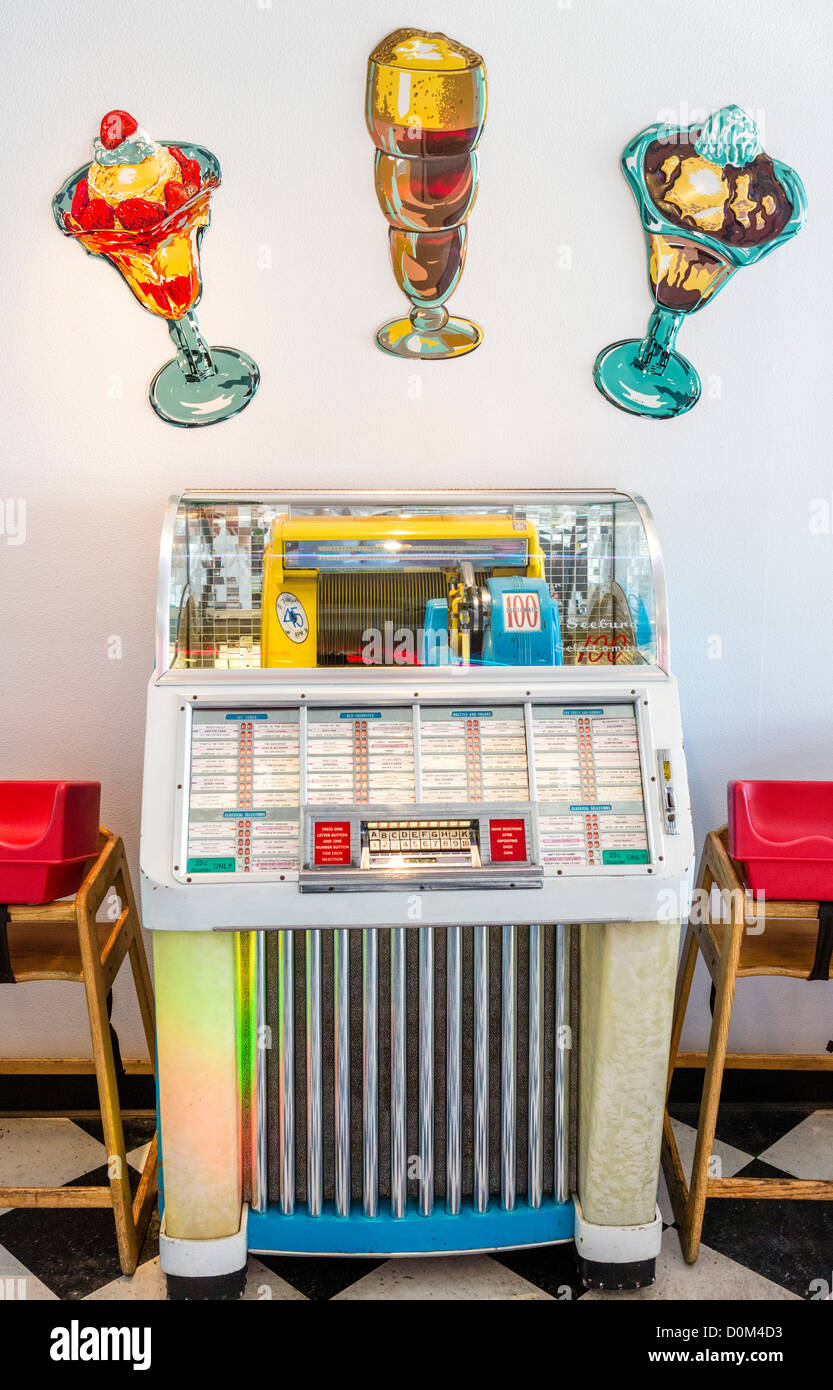 Seeburg Select-O-Matic 100 jukebox, Nifty Fiftys Soda Fountain, Port Townsend, Olympic Peninsula, Washington, USA - Stock Image