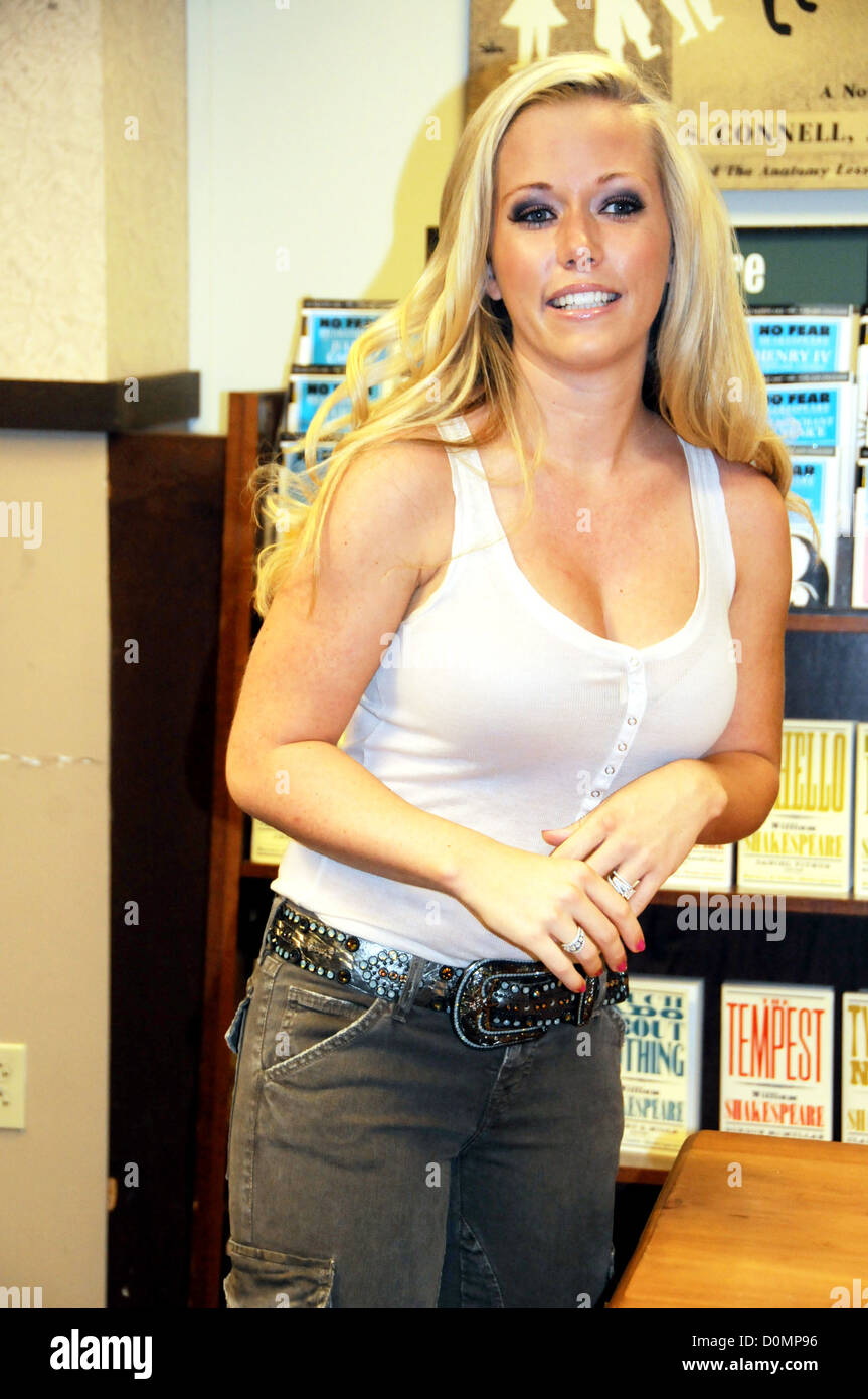 Playboy Playmate & star of 'Kendra', Kendra Wilkinson signs copies of her  new