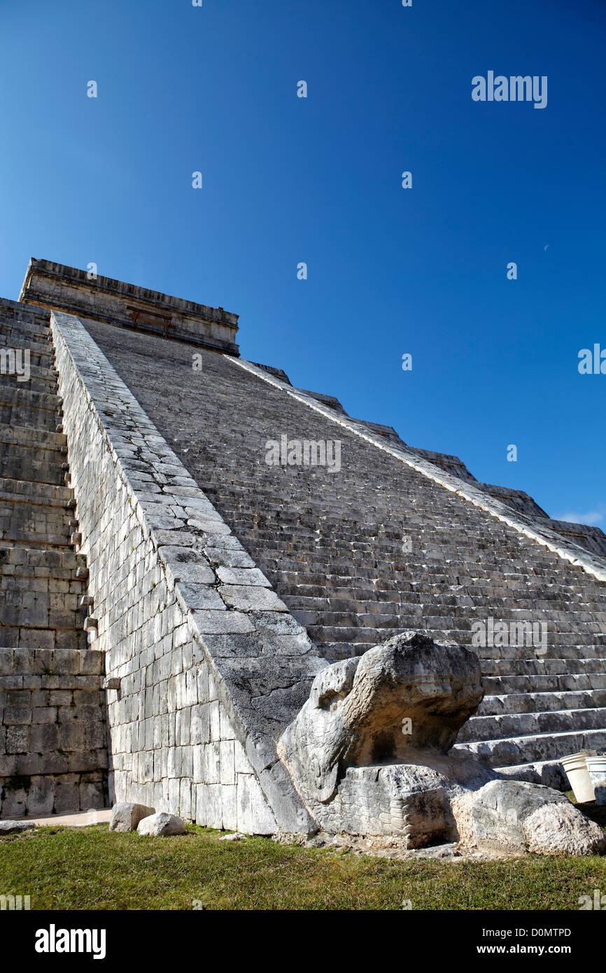 Serpent head on north side of the Temple of Kukulkan (Castillo De Kukulcan/El Castillo). Chichen Itza site in Yucatan, - Stock Image