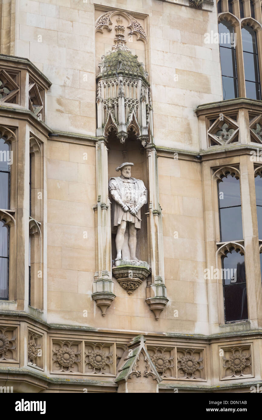Statue of King Henry VIII at Kings college,Cambridge, England - Stock Image