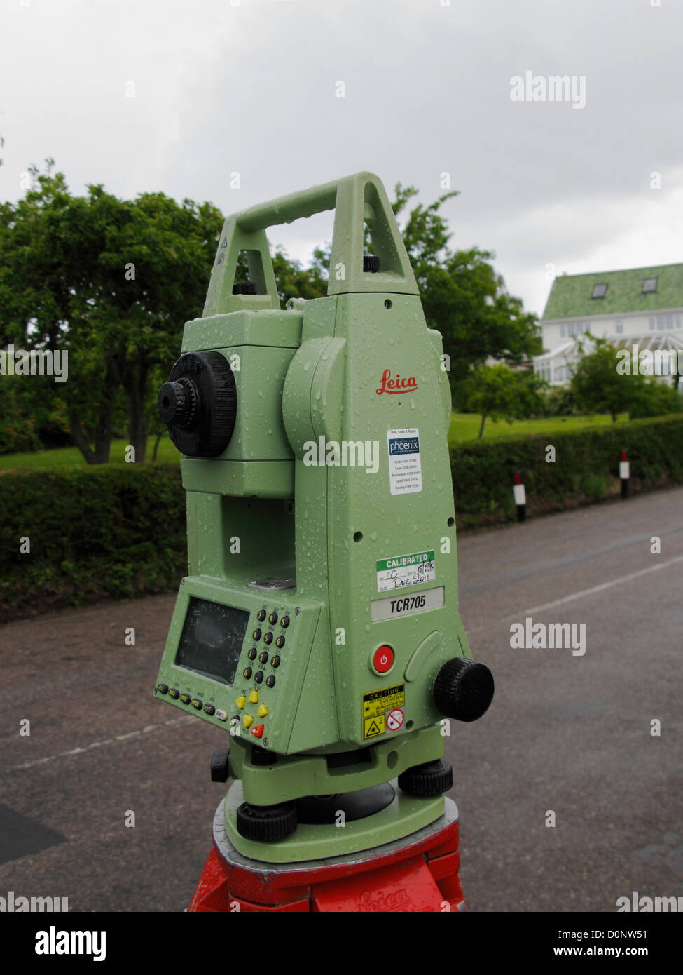 Surveying Electronic Distance Measurement : Leica tcr total station theodolite surveying instrument