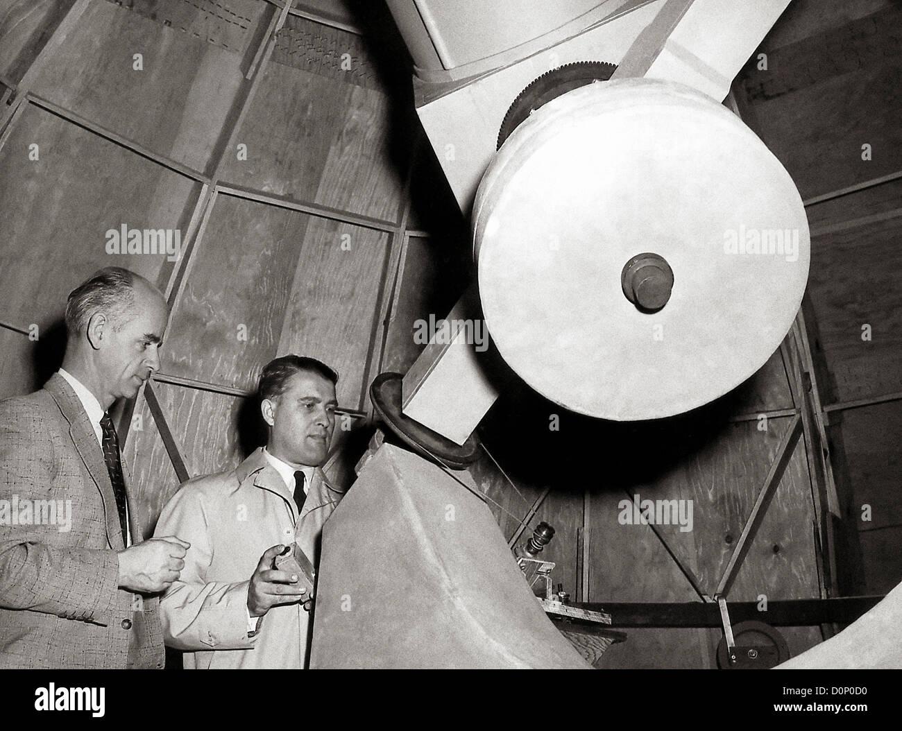 Wernher von Braun in Observatory - Stock Image